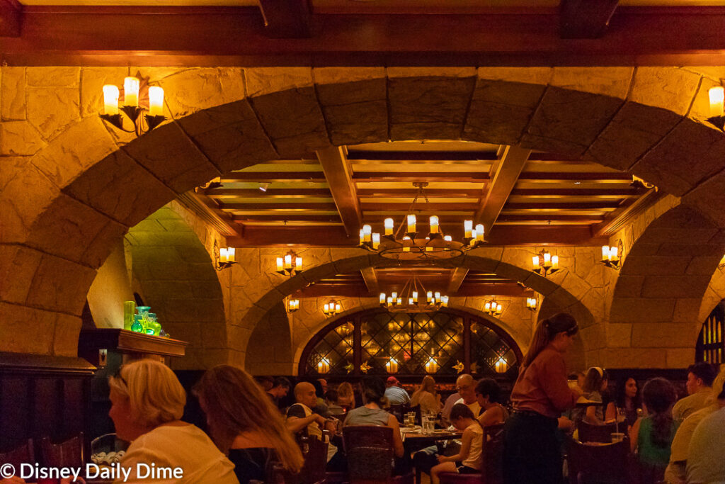 Picture of the Le Cellier dining area.