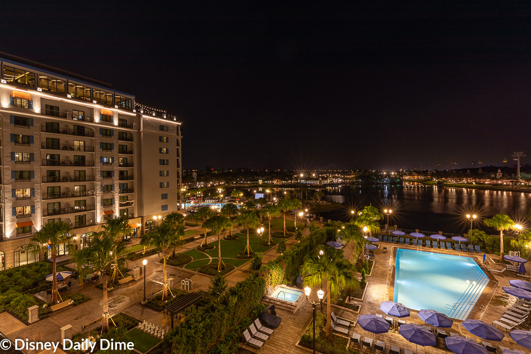 The night time ambiance is one of our favorite things about this resort!